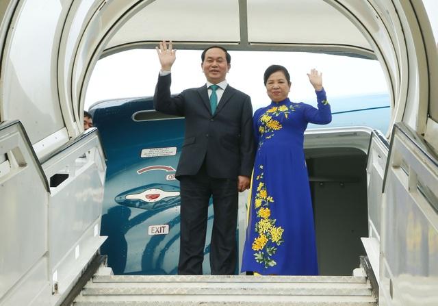 Chủ tịch nước Trần Đại Quang và Phu nhân đến sân bay Quốc tế Jose Marti. Ảnh: Nhan Sáng-TTXVN