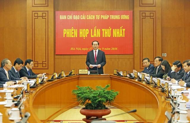 Chủ tịch nước Trần Đại Quang, Trưởng Ban Chỉ đạo cải cách Tư pháp Trung ương chủ trì và phát biểu khai mạc Phiên họp lần thứ nhất của Ban Chỉ đạo cải cách Tư pháp Trung ương. Ảnh: Nhan Sáng-TTXVN