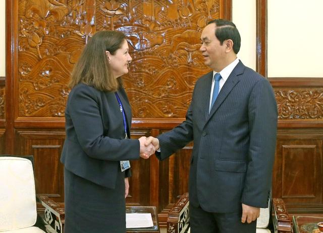 Sáng 9/12/2016, tại Phủ Chủ tịch, Chủ tịch nước Trần Đại Quang tiếp bà Monica Whaley, Chủ tịch Liên minh doanh nghiệp Mỹ-APEC nhân chuyến thăm và làm việc tại Việt Nam. Ảnh: Nhan Sáng-TTXVN