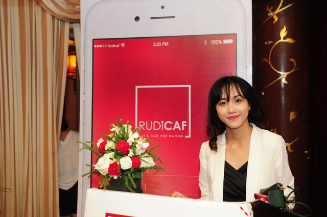 Vũ Nguyệt Ánh muốn việc hò hẹn trở nên thú vị hơn bằng một phần mền online mang tên Rudicaf dating.