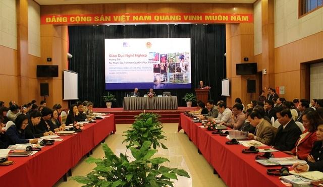 """Hội thảo """"Giáo dục nghề nghiệp - hướng tới sự tham gia tốt hơn của khu vực tư nhân."""