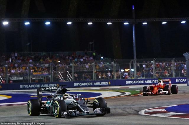 Nico Rosberg thắng tuyệt đối tại chặng đua Singapore - 13