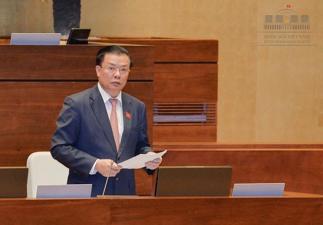 Bộ trưởng Tài chính Đinh Tiến Dũng giải trình thêm một số nội dung các đại biểu nêu ra.