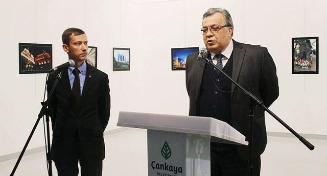 Đại sứ Nga tại Thổ Nhĩ Kỳ Andrey Karlov. (Ảnh: Anadolu)