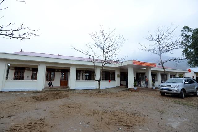 Toàn cảnh công trình 5 phòng học Dân trí tại Chiềng Sơ. Một số hạng mục như sân trường, nhà vệ sinh sẽ tiếp tục được huyện Sông Mã đầu tư xây dựng cho trường Chiềng Sơ trong thời gian tới