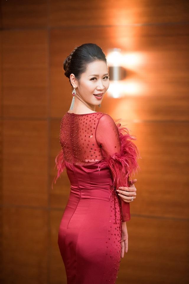Vợ chồng Dương Thùy Linh ngọt ngào sau 7 năm chung sống - 6