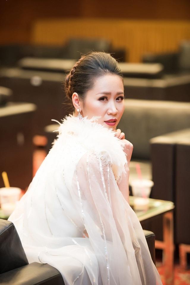 Vợ chồng Dương Thùy Linh ngọt ngào sau 7 năm chung sống - 5