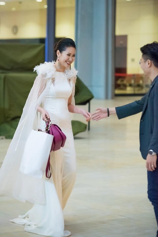 Vợ chồng Dương Thùy Linh ngọt ngào sau 7 năm chung sống - 2