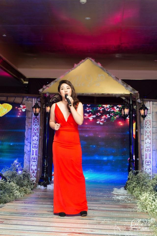 Hồng Quê, Tâm Tít, Bảo Trâm Idol hội ngộ trong ELLIE VU IN LOVE Fashion show - 7