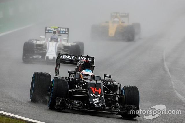 Thắng chặng, Lewis Hamilton tiếp tục nuôi giấc mơ vô địch - 3