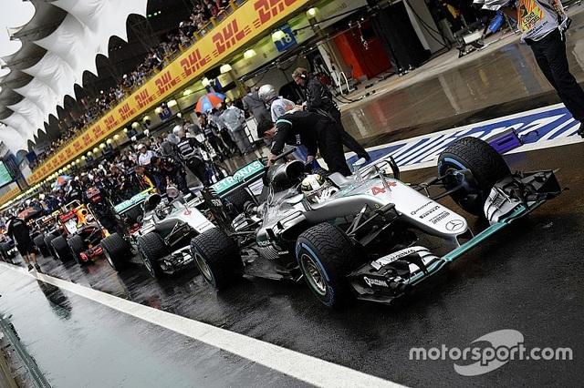 Thắng chặng, Lewis Hamilton tiếp tục nuôi giấc mơ vô địch - 12