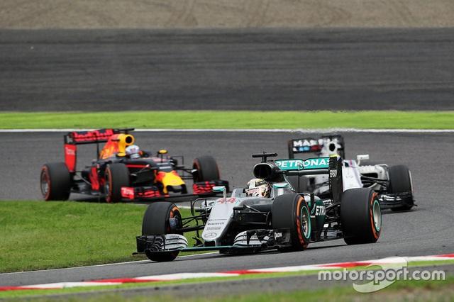 Nico Rosberg có chiến thắng chặng thứ 9, Mercedes vô địch F1 2016 - 11