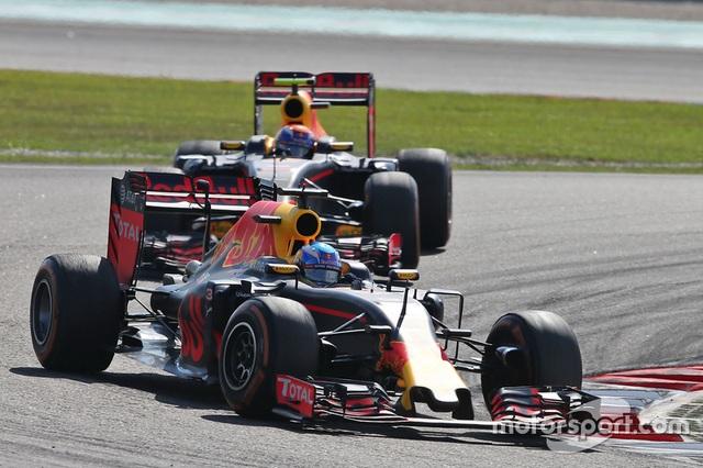 Daniel Ricciardo và Red Bull Racing thống trị Sepang - 9