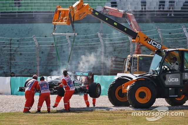 Daniel Ricciardo và Red Bull Racing thống trị Sepang - 12