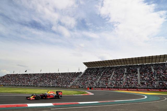 Lewis Hamilton thắng áp đảo tại MexicoGP - 3