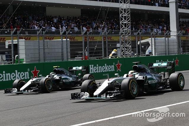 Lewis Hamilton thắng áp đảo tại MexicoGP - 2