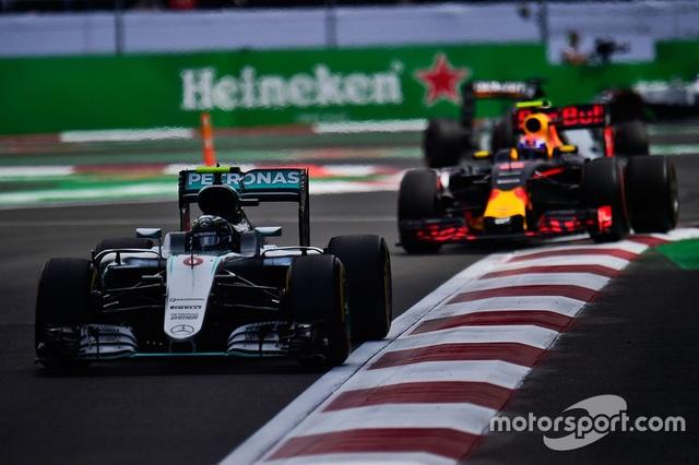 Lewis Hamilton thắng áp đảo tại MexicoGP - 4