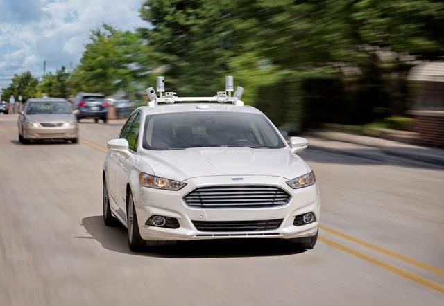 Ford chuẩn bị chạy thử xe tự lái tại châu Âu - 1