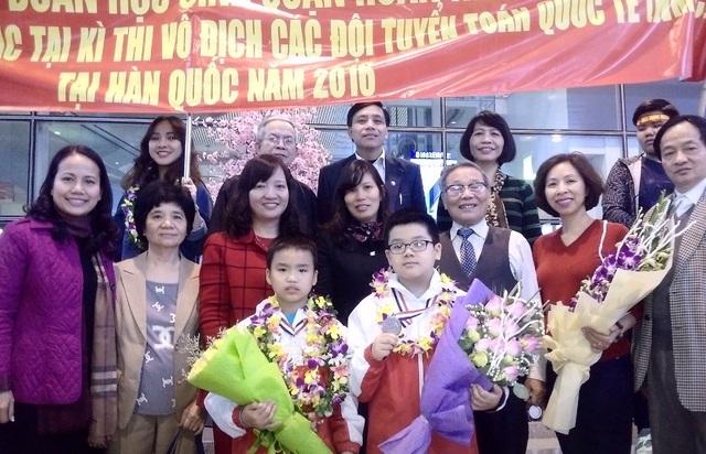 Hân hoan đón đoàn học sinh thi Vô địch Toán quốc tế trở về - 2