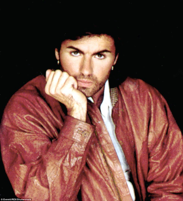 Ngôi sao của ca khúc Careless Whisper biểu cảm tuyệt vời trong một bộ ảnh thời trang thực hiện vào năm 1987.