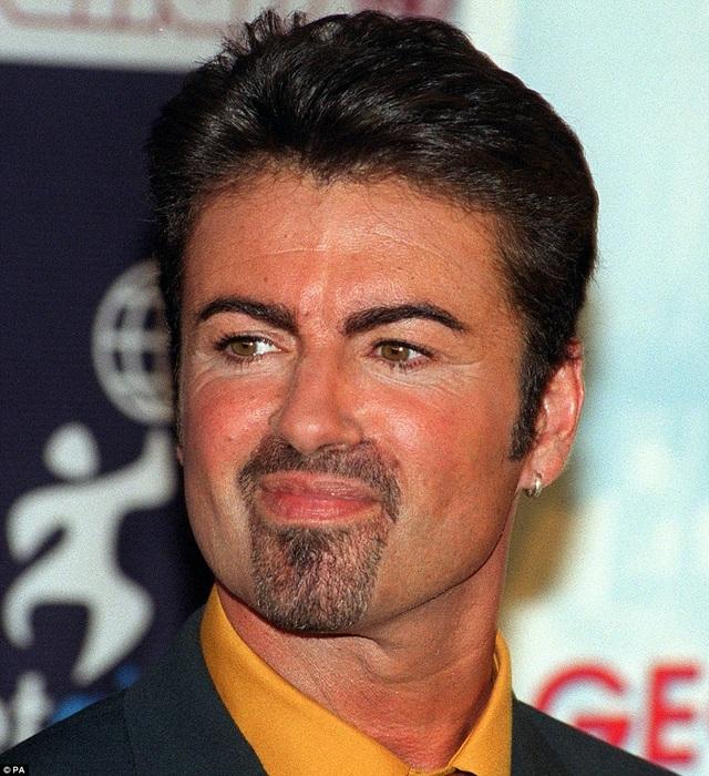 Tháng 9/1999, George Michael góp mặt tại một buổi họp báo ở London, Anh.