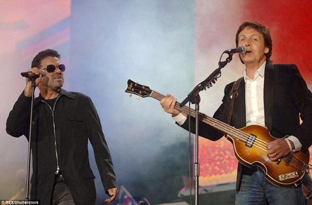 George Michael và Paul McCartney đã có một màn song ca ấn tượng tại London, Anh vào tháng 7/2005.