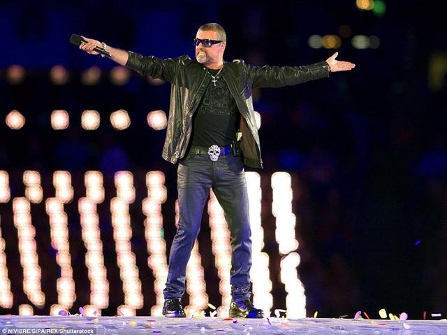George Michael máu lửa biểu diễn trong đêm bế mạc Thế vận hội London vào năm 2012.