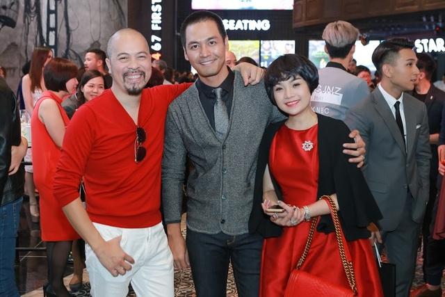 Đức Hùng hỏi han ân cần Phan Anh về những ngày đi từ thiện vừa qua của MC trẻ.