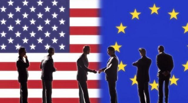 Bà Clinton vốn rất ủng hộ các hiệp định thương mại tự do. (Ảnh: AFP)