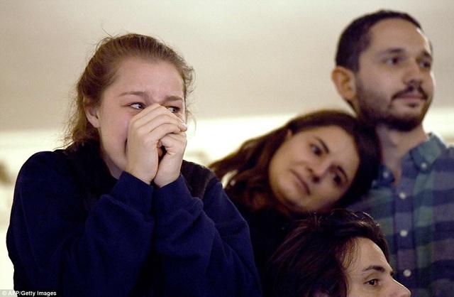 Nhiều người đã rơi nước mắt khi nghe bài phát biểu của bà Clinton. (Ảnh: AFP)