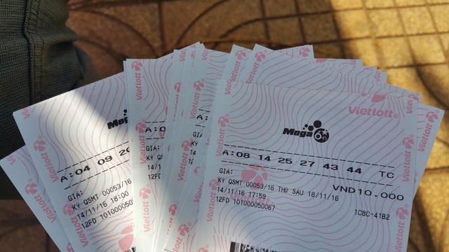 Tại Đắk Nông, để mua một tấm vé tự chọn in sẵn không khó