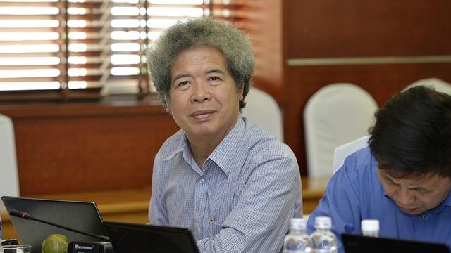 ThS. Đặng Mạnh Phổ, Phó TGĐ Ngân hàng BIDV cùng TS. Hồ Sĩ Lợi, Giám đốc Trung tâm Thông tin (MIC) cũng đã dành nhiều câu hỏi hóc búa cho các thí sinh xuất sắc bước vào vòng Chung khảo.