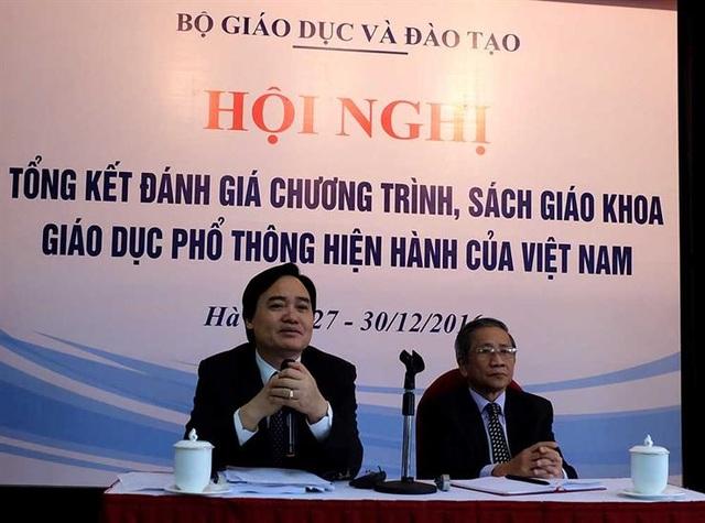 Bộ trưởng Bộ GD&ĐT Phùng Xuân Nhạ tại hội nghị đánh giá chương trình, sách giáo khoa giáo dục phổ thông hiện hành