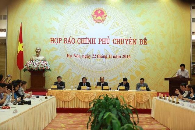 Văn phòng Chính phủ tổ chức cuộc họp báo chuyên đề thông tin về việc dừng dự án. (Ảnh P.T)