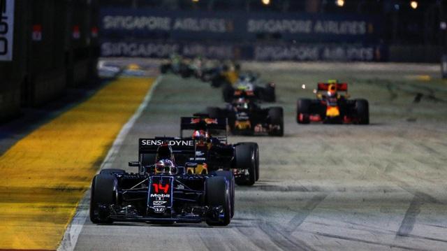 Nico Rosberg thắng tuyệt đối tại chặng đua Singapore - 11