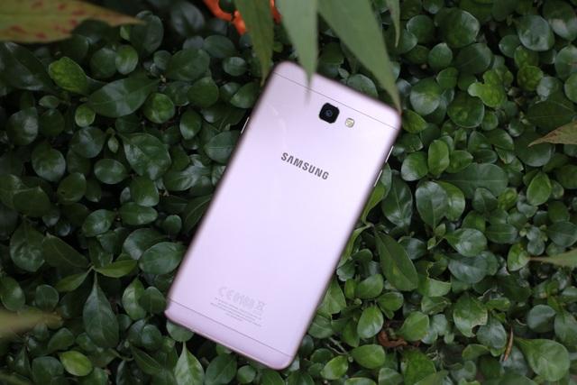 Trên tay và đánh giá nhanh Galaxy J7 Prime Hồng Vàng - 1