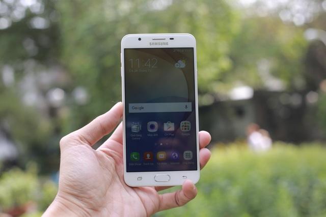 Trên tay và đánh giá nhanh Galaxy J7 Prime Hồng Vàng - 6