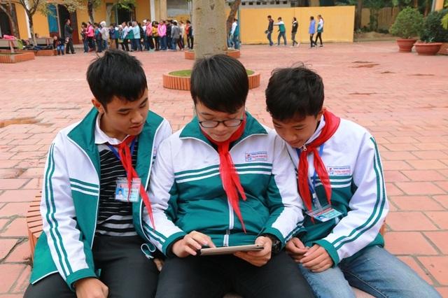 Học sinh có thể học tập, tìm kiếm thông tin về môn Lịch sử trên trang fanpage của trường THCS Trương Hán Siêu mọi lúc, mọi nơi.