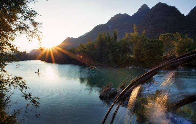 Những hình ảnh cọn nước thân quen trên đỉnh thác của người dân Cao Bằng