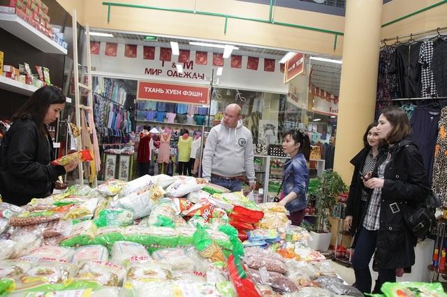 """Doanh nghiệp """"bội thu"""" tại Hội chợ """"Tuần lễ hàng HN tại Matxcova 2016"""" - 3"""