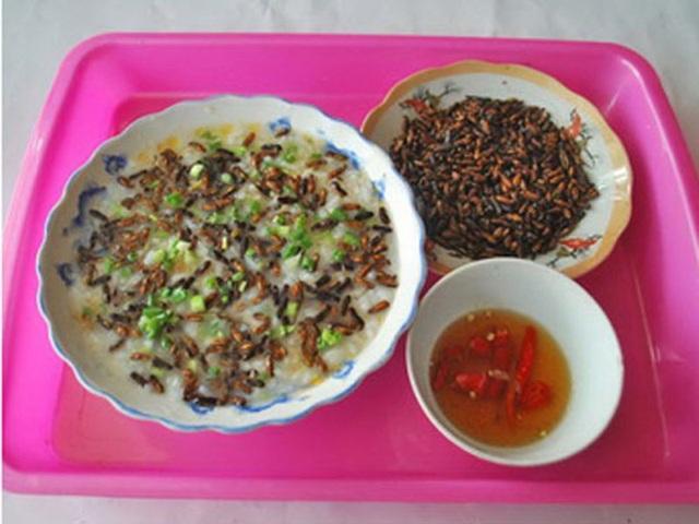 Rùng mình với những món ăn từ… mối - 3