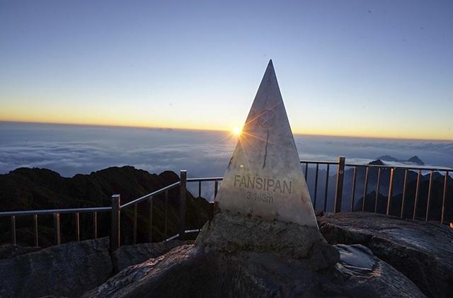 Chiều trên đỉnh Phan Si Păng
