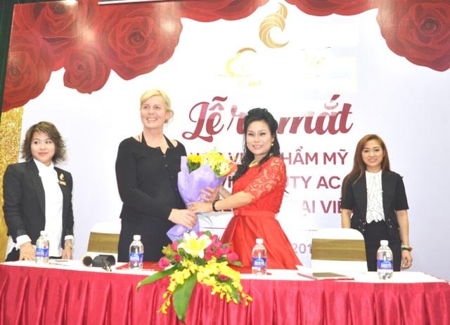 Lễ ra mắt và Hội thảo dạy nghề làm đẹp của học viện C'est La Vie - Đức tại Việt Nam - 5
