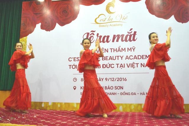 Lễ ra mắt và Hội thảo dạy nghề làm đẹp của học viện C'est La Vie - Đức tại Việt Nam - 10