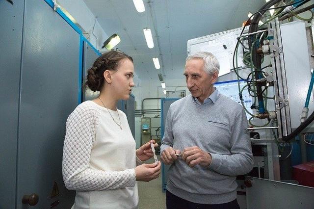 Sản xuất siêu nhanh kim loại mới ứng dụng cho kỹ thuật không gian - 1
