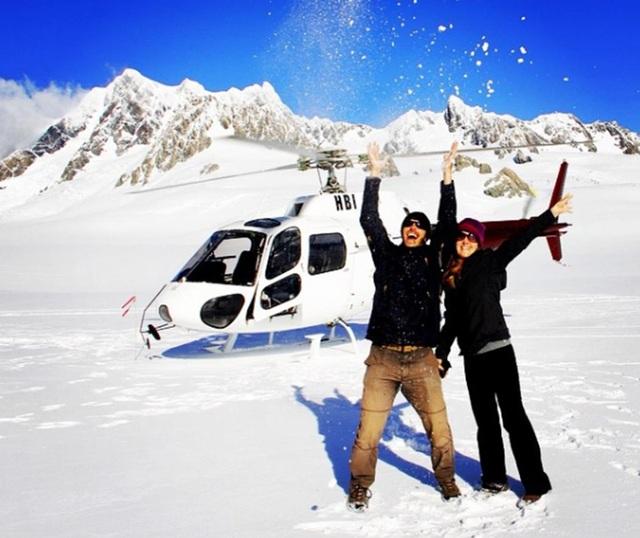Cùng nhau trượt tuyết ở NewZealand