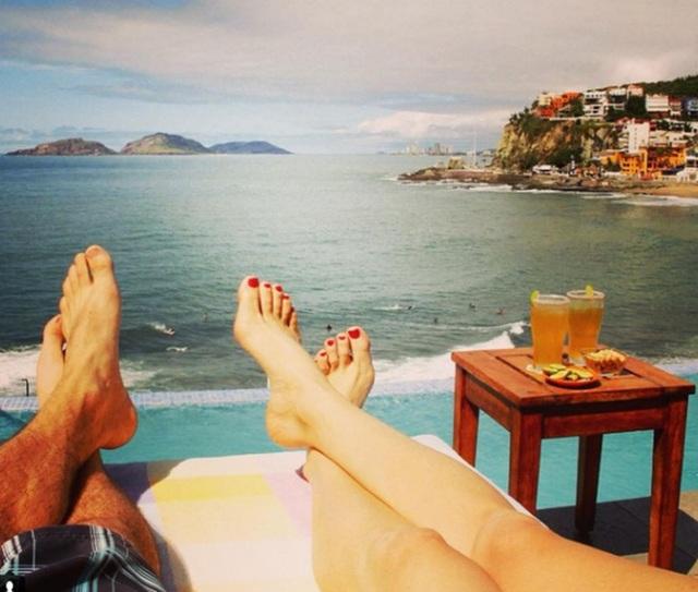Cùng nhau tắm nắng trên bờ biển Mazatlan, Mê-hi-cô