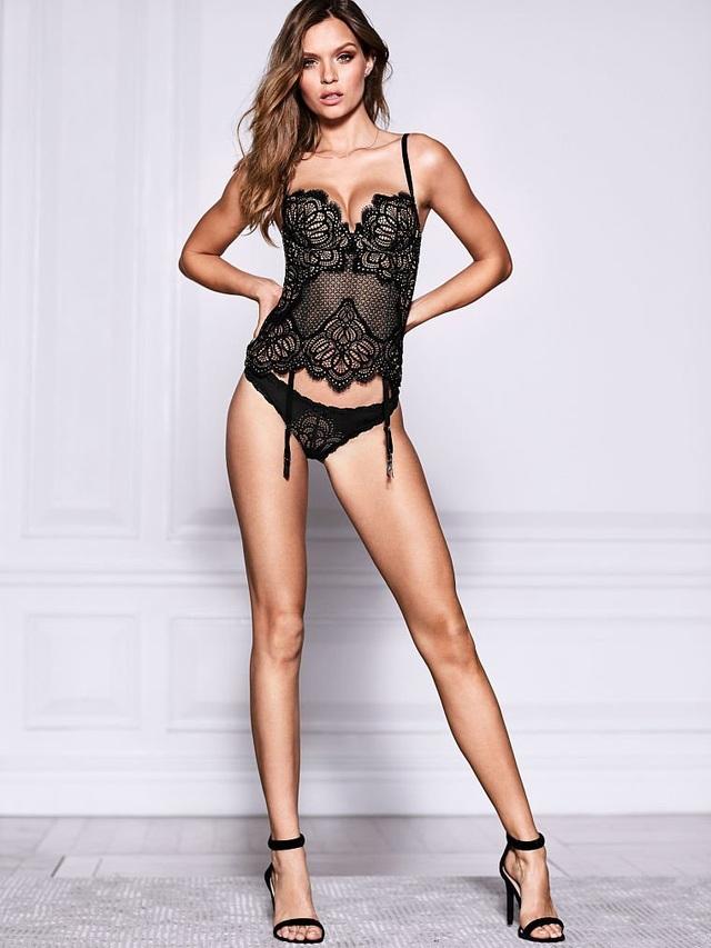 Josephine Skriver là thiên thần nội y mới được Victoria's Secret chiêu mộ. Cô gái 23 tuổi này sở hữu chiều cao ấn tượng 1,83m