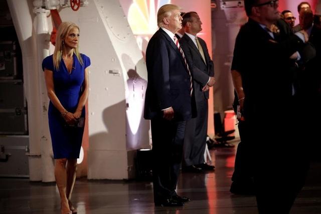 Với thâm niên trong ngành thăm dò dư luận và quản lý chiến dịch tranh cử, bà Conway đã nhanh chóng thuyết phục ông Trump làm những điều tưởng như không thể với ông như chuẩn bị cho cuộc tranh luận tổng thống trực tiếp, thuyết phục ông tiếp tục tin tưởng vào khả năng chinh phục Nhà Trắng ngay cả khi các khảo sát cho thấy ông Trump luôn bị đối thủ dẫn trước.