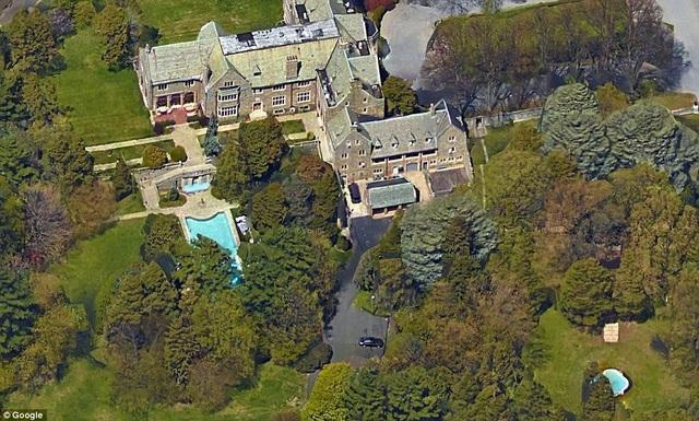 Một khu nhà khác nữa của người Nga cũng bị chính phủ Mỹ yêu cầu đóng cửa khẩn cấp là nhà khách Killenworth ở Long Island. Chủ sở hữu của tổ hợp này vốn là George Dupont Pratt, con trai thứ ba của trùm dầu mỏ Charles Pratt. (Ảnh: Google Maps)